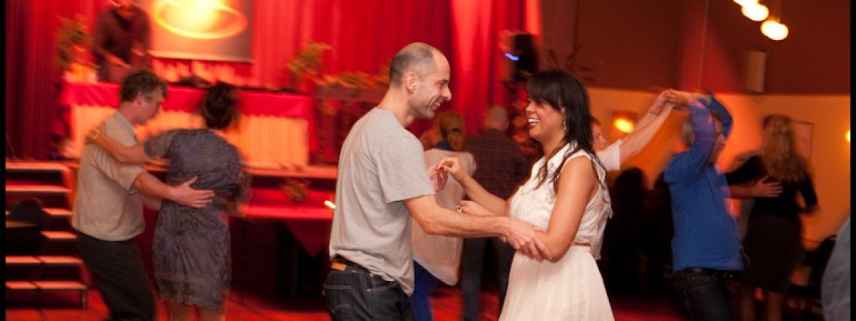 Salsa lessen in Apeldoorn en Deventer bij Salsa dansschool Esta Manera