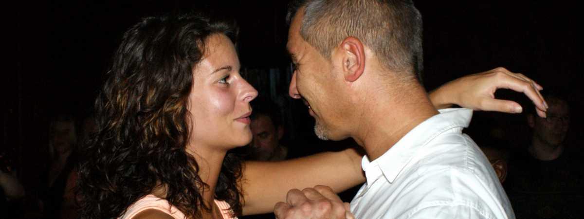 Salsa dansschool Esta Manera voor cursussen in Apeldoorn en Deventer