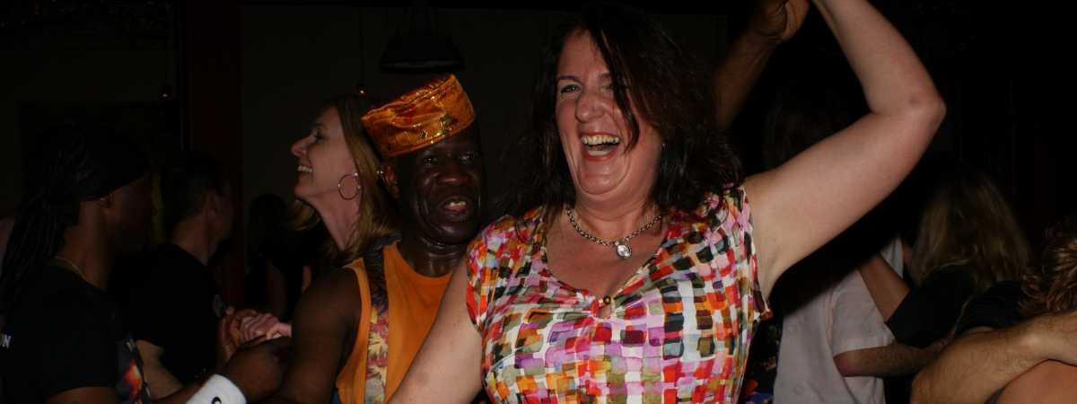 Salsa cursussen in Apeldoorn en Deventer bij dansschool Esta Manera